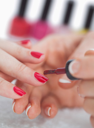 Cheap Nail Courses At School Or Online From Home